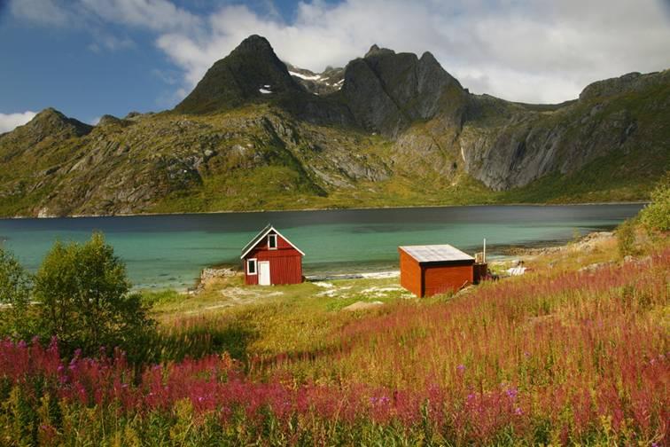 Islas vesteralen noruega reportaje en fronteras de papel for Casas en noruega